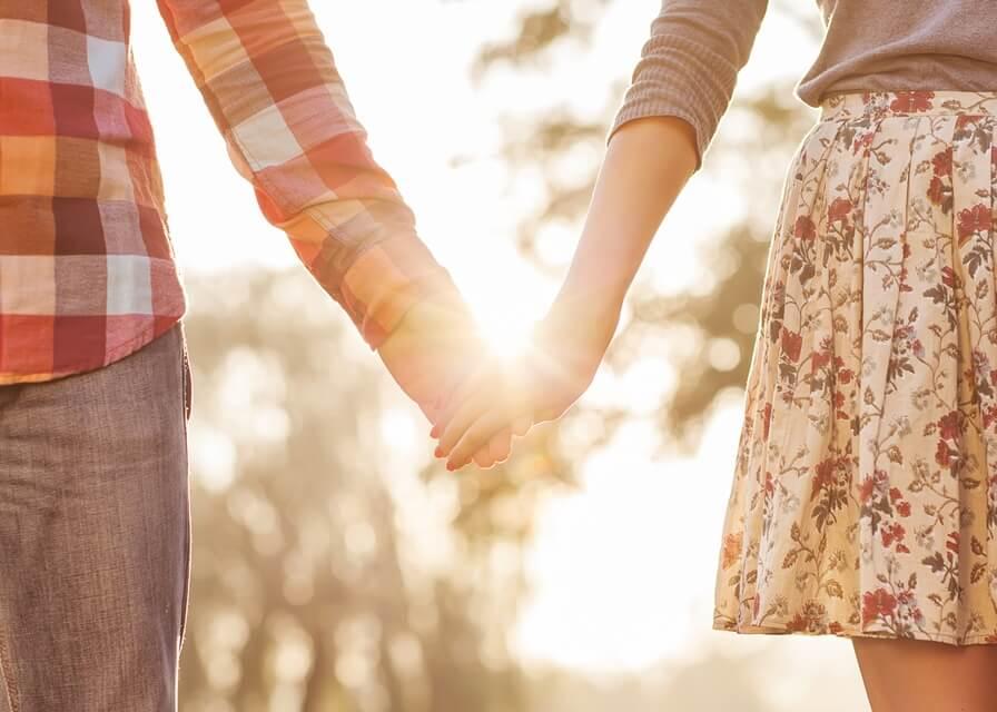 מה מעניין אותך: סטוץ או מערכת יחסים לטווח ארוך?